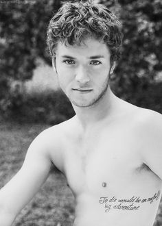 Jeremy Sumpter ~ Peter Pan. Look at his tattoo! He still has that innocent expression. I love him so much!