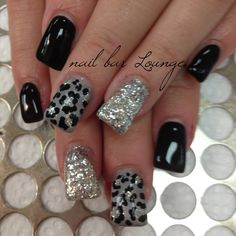 Silver Lining  #hotnailsofLI #nailartist #naildesigner #victoriazegarelli #nailbarlounge