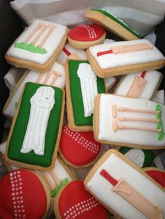 Cricket Party Ideas - Little Party Love Cricket Birthday Cake, Cricket Theme Cake, Boy Birthday Parties, Sports Birthday, Birthday Ideas, November Birthday, 11th Birthday, Royal Icing Sugar, Paint Cookies