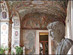 Busto di Adriano,  Palazzo Altemps,  Loggia Dipinta (meridionale) - Roma. www.decorarconarte.com