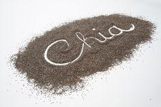 Chia semínka jsou vynikajícím zdrojem vlákniny, antioxidantů, bílkovin, omega-3 mastných kyselin, vápníku, vitamínů a minerálů.
