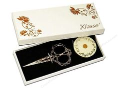Tacony Notions Klasse Blossom Scissors & Tape Measure Set