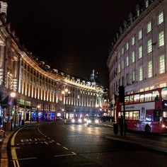 @louis_vis Without doubt one of the most beautiful streets in #London! #Regents #Street #Night #Lights #Regentstreet #City