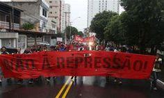 Jovens protestam contra ação truculenta da PM