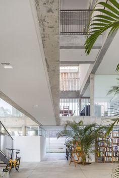 Gallery of KS Residence / Arquitetos Associados - 11