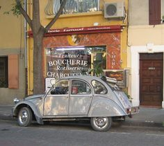 """All Things French"": ...Le Citroen Deux Chevaux"