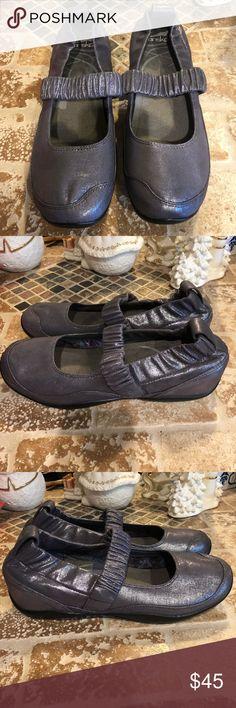 Dansko Size 41 Cute & really comfy dansko. Good condition. Dansko Shoes