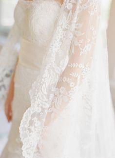 Traditional lace veil: http://www.stylemepretty.com/little-black-book-blog/2014/11/17/fresh-romantic-leesburg-wedding/   Photography: Abby Jiu - http://www.abbyjiu.com/