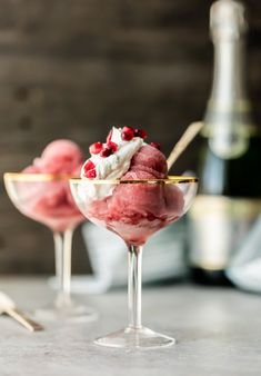 Pomegranate Champagne Sorbet is an easy sorbet recipe perfect for New Year's Eve, Christmas, and the holidays! Isn't it so pretty and festive? This pomegranate sorbet is a classy treat for the season! Kinds Of Desserts, Köstliche Desserts, Frozen Desserts, Dessert Recipes, Party Recipes, Dessert Ideas, Dessert Drinks, Party Dips, Peanut Butter