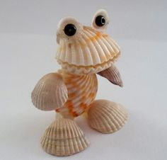 Products from shells and stones with their own hands. DIY crafts from shells: wh. - Products from shells and stones with their own hands. DIY crafts from shells: where and how to appl - Shell Crafts Kids, Sea Crafts, Nature Crafts, Stone Crafts, Rock Crafts, Crafts To Do, Arts And Crafts, Seashell Art, Seashell Crafts