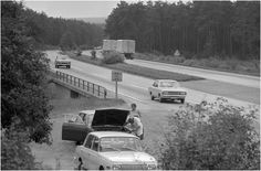 Parkplatz an einer Autobahn in der DDR, 1972 / www.ddr-fotos.de / DDR-Fotoarchiv von Marco Bertram
