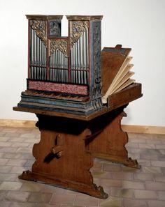 http://www.hmb.ch/fr/sammlung/musikinstrumente/95007-tischorgel-ab-yberg.html