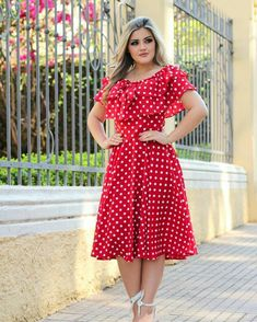 Image may contain: 1 person Simple Outfits, Simple Dresses, Beautiful Dresses, Modest Dresses, Plus Size Dresses, Casual Dresses, Infinity Dress Ways To Wear, Stylish Dress Designs, Casual Frocks