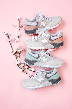 oooOOOooo, if anyone is ordering their shoes from the Korean NB site, you can get them in a Cherry Blossom theme!