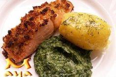 File de somon, cu crusta picanta, la cuptor cu cartofi natur si spanac - Culinar.ro