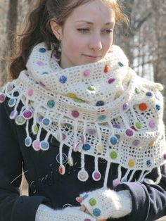 """Drops in white chocolate"" (crochet, crocheting set, scarf, cowl, mittens)"