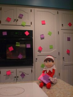 Post its + Hundreds Other Elf Pics