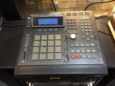 Buy MPC from ARMENS,king of MPC. AKAI MPC 3000 LE ,you get what you see! ,works fine, very clean some minor scratches /see pics /, with new bright backlight! ,32 meg, ,READY TO USE,comes with sound disk / power cable/120volt. | eBay!
