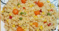 Υλικά 1/2 kg ρύζι ( εγώ παίρνω για σπυρωτό πιλάφι) 1 κρεμμύδι σε κομματάκια 1 σακουλάκι σαλάτα καλαμποκιού 2 κύβους λαχανικών 1-2 κ.σ. βο... Fried Rice, Fries, Ethnic Recipes, Food, Eten, Meals, Stir Fry Rice, Diet
