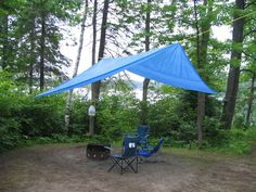 This is the best rain tarp design I have found in my years of camping. Camping Diy, Camping Canopy, Camping Tarp, Camping In The Rain, Best Tents For Camping, Camping Lights, Camping Hacks, Outdoor Camping, Camping Ideas
