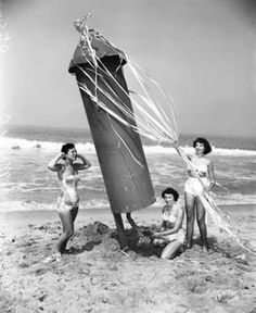 1930's Beach girls having a blast.