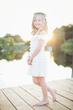 Hope Photography - Lemonade and LensesLemonade and Lenses Young Girl Photography, Toddler Photography Poses, Studio Photography Poses, Photography Ideas, Girl Photo Shoots, Girl Photo Poses, Girl Poses, Little Girl Photos, Girl Pictures