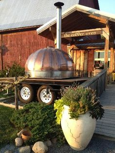 The Copper Oven in Ovid, NY - The Copper Oven's specialty is wood fired pizza. Our menu rotates monthly and relies on home grown and locally sourced ingredients. Our promise to you is good food in a rustic, friendly environment.