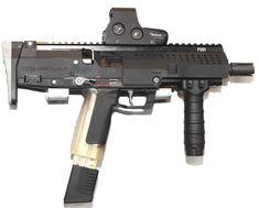 STKinetics CPW submachine gun - Compact Personal Weapon (Singapore)