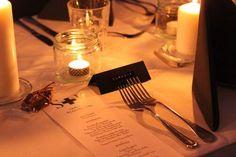 Tunnelmallinen pöytäkattaus häihin! Lovely wedding setting. #helsinki | Soupster Catering
