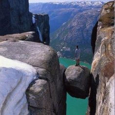 Kjerag - Norvegia...not sure where this is, but it's so cool!