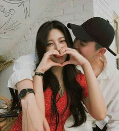 Image about love in ☄⚡Ulzzang⚡☄ by Daisy on We Heart It Cute Relationship Goals, Cute Relationships, Ulzzang Couple, Ulzzang Girl, Cute Couples Goals, Couple Goals, Cute Korean, Korean Girl, Korean Best Friends