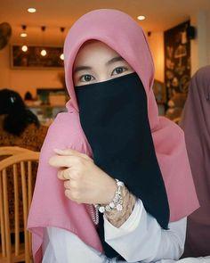 Arab Girls Hijab, Girl Hijab, Muslim Girls, Beautiful Muslim Women, Beautiful Hijab, Hijab Dpz, Niqab Fashion, Face Veil, Anime Muslim