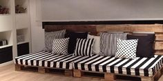 Más ideas de sofás con palets | Handspire Look at Handspire ideas to make sofas with pallets.