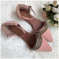 Fancy Shoes, Pretty Shoes, Beautiful Shoes, Cute Shoes, Flat Shoes, Indian Shoes, Bridal Sandals, Shoes Heels Pumps, Mode Style