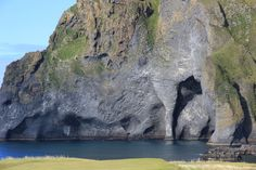 8 Pictures of Naturally Erupted Elephant Rock in Heimaey in Iceland..!   Let's Start Exploring!