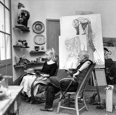 Силветте Дејвид представља за Пикаса у свом Валлаурис студију.  (1954, Франсоа Пагес)