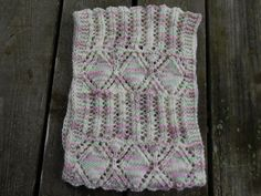 Ravelry: Diamonds in Harmony Cowl pattern by Melody Hadley