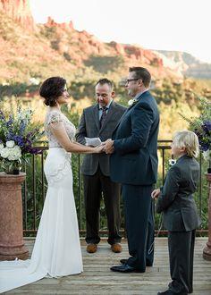 L'Auberge de Sedona wedding photographer. Intimate wedding at Spirit Song.