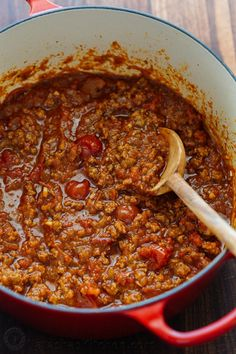 Spaghetti Meat Sauce is beefy, juicy and so satisfying. This Meat Sauce recipe comes together fast - perfect for busy weeknights, and freezer friendly. #meatsauce #spaghettimeatsauce #spaghettiandmeatsauce #spaghetti #pasta #natashaskitchen #dinner #easydinner #30minutemeal Best Spaghetti Recipe, Spaghetti Meat Sauce, Spaghetti Recipes, Pasta With Meat Sauce, Homemade Spaghetti, Best Thanksgiving Side Dishes, Thanksgiving Desserts Easy, Holiday Desserts, Thanksgiving 2020