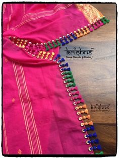 Bridal Saree Tassel You can find different rumors about the annals of the marriage dress; tesettür First Narration; Saree Tassels Designs, Saree Kuchu Designs, Sari Blouse Designs, Dress Designs, Kurti Embroidery Design, Latest Sarees, Saree Wedding, Chiffon, Marriage Dress
