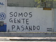 Acción Poética Story Quotes, Mood Quotes, Life Quotes, Graffiti Quotes, Street Quotes, Simple Words, Spanish Quotes, Word Porn, Wallpaper Quotes