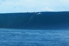 A warped horizon rises out of the South Pacific; a beautiful setting for glory or disaster at Teahupoo. Photo: Ellis