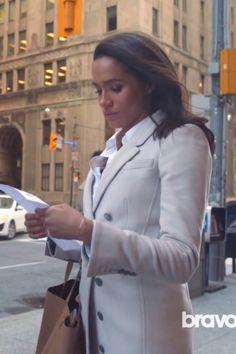 Rachel Zane wearing  Burberry Cashmere Northcombe Coat, Céline Horizontal Cabas Zip Tote