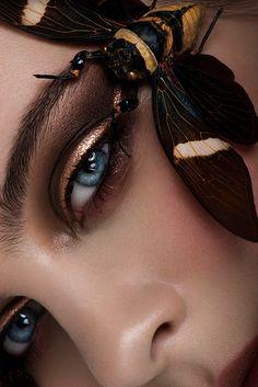 Close up beauty makeup portrait Eye Makeup Art, Makeup Inspo, Makeup Inspiration, Makeup Eyes, Beauty Makeup, Fashion Inspiration, Close Up Portraits, Creative Portraits, Make Up Art