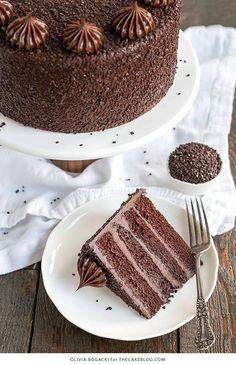 Chocolate Truffle Cake - a chocolate layer cake recipe with dense, moist chocolate cake, silky chocolate truffle frosting and chocolate flakes. Chocolate Truffle Cake, Chocolate Truffles, Chocolate Recipes, Chocolate Chocolate, Chocolate Brownies, Chocolate Covered, Cake Truffles, Cupcakes, Cupcake Cakes