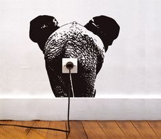 Vinilo elefante, ideas para decorar enchufes con #vinilos decorativos. http://imaginashop.com/es/7-vinilos-decorativos