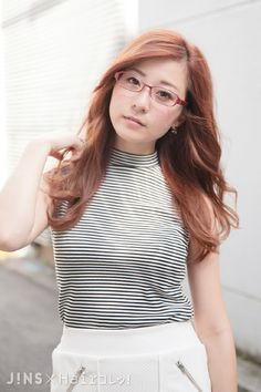 水野 佐彩さん|可愛い赤×チェックは秋に大活躍♡|JINS SNAP