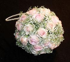 brudebukett Floral Wreath, Wreaths, Image, Blogging, Flower Crowns, Door Wreaths, Deco Mesh Wreaths, Garland, Garland
