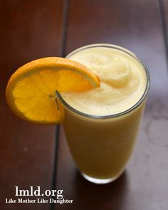Orange Julius - an orange vanilla-ey smoothie. Yum! #lmldfood