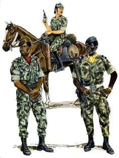 Portuguese uniforms: Dragoon (mounted), Comando (left) and Paratrooper (right) - African Colonial War 1961/74